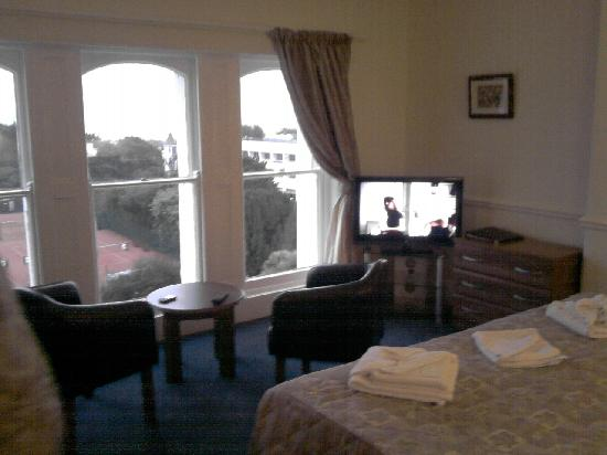 Abbey Lawn Hotel: Nice comfortable room