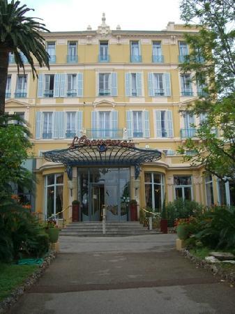 Hotel club Vacanciel Menton: Côté entrée
