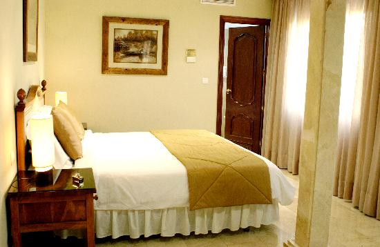 El Oceano Beach Hotel: A hotel room needs to feel good the moment you open the door!