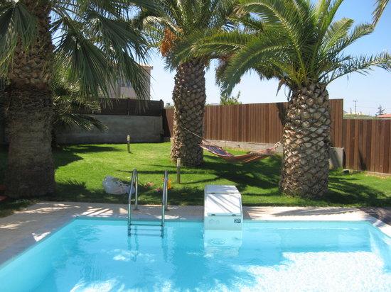 Paradise Island Villas: pool