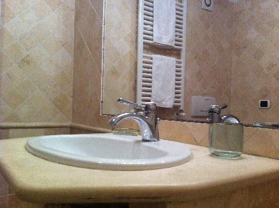 Rome Quiet Home: Trastevere - bathroom