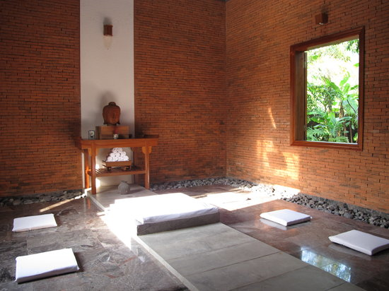Pilgrimage Village: yoga room