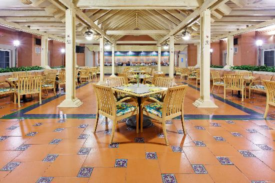 Holiday Inn Express Galerias San Jeronimo: Breakfast Area