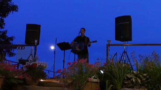 Howe Island B&B: Music in the Vines - 2011