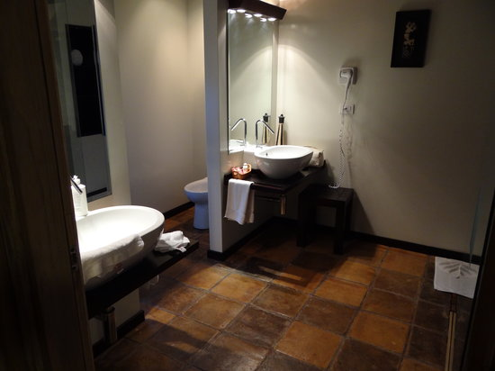 Media Luna Resort & Spa: Bathroom - gorgeous!!!!