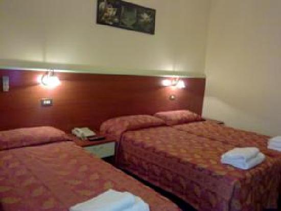 Hotel Dateo Milano: camera tripla