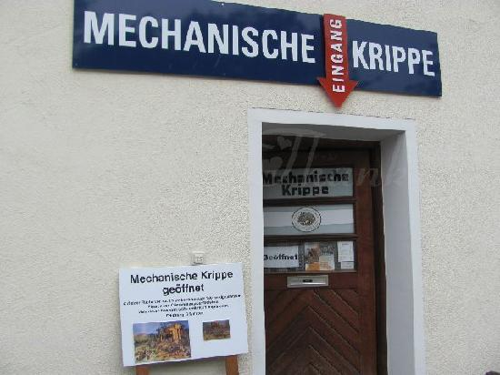 Mechanische Krippe: exterior