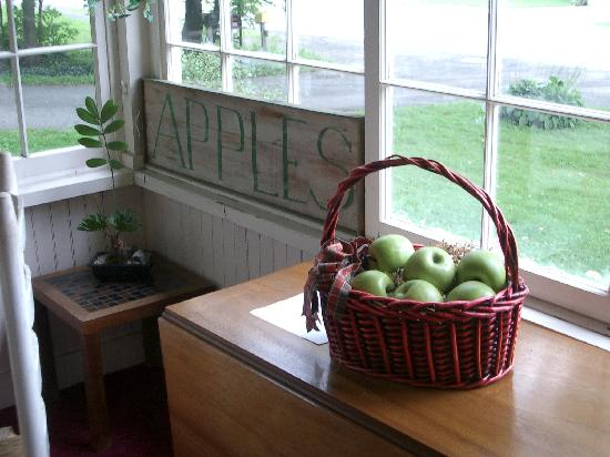 Green Apple Inn: Cute little apple-themed touches everywhere.