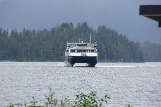 Sitka Sportsman's Association RV Park: Fast Ferry approaches Sitka