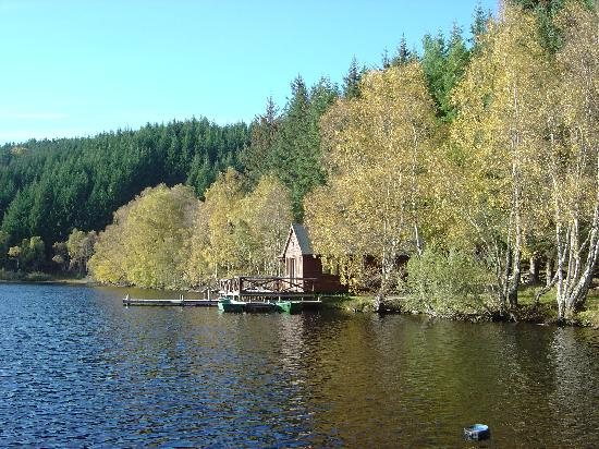 Beauly, UK: The Aigas loch