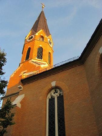 Evangelisch-Lutherische Aufstehungskirche: 10