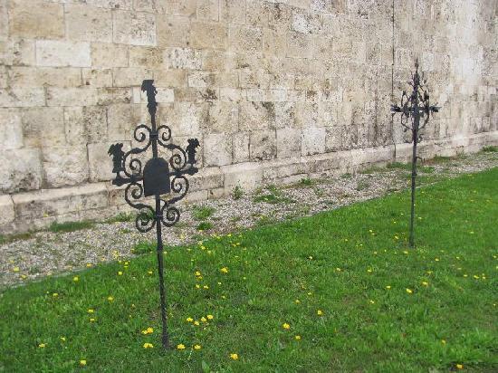 Pfarrkirche Maria Immaculata: former cemetery