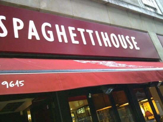 Spaghetti House- Knightsbridge: Fachada del restaurante