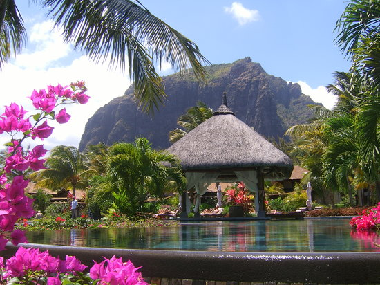 LUX Le Morne : The Wedding Gazebo
