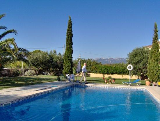 B&B Botarell: piscina