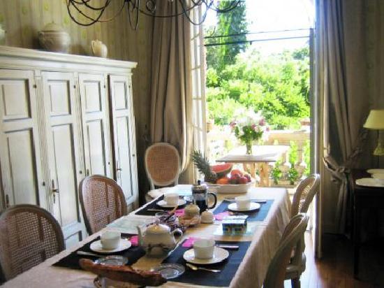 Villa Floria : Le petit-déjeuner