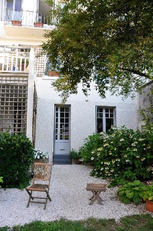 Villa Floria : La maison côté jardin