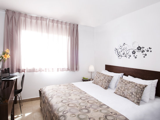 Ramon Suites Hotel: Bedroom - Family Suite -  Mini Suite