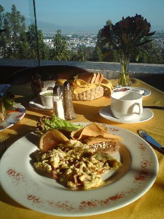 Villa San Jose Hotel & Suites: Desayuno en el restaurante del hotel.