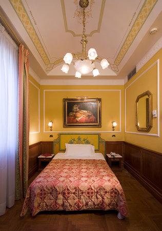 Borromeo Hotel : Camera/Room