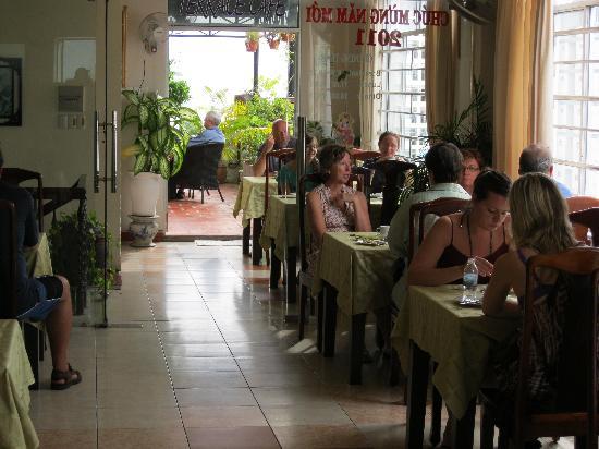 Oriole Hotel: breakfast