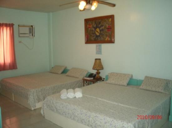Seabird International Resort: Quad Sharing