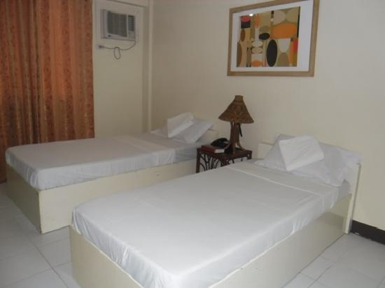 Seabird International Resort: Double Deluxe Room