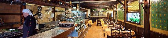 Restaurant Can Manel: Ambient agradable i tradicional