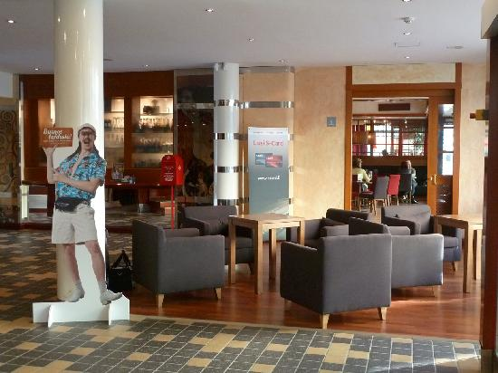 Original Sokos Hotel Valjus: Foyer mit Blick zum Restaurant