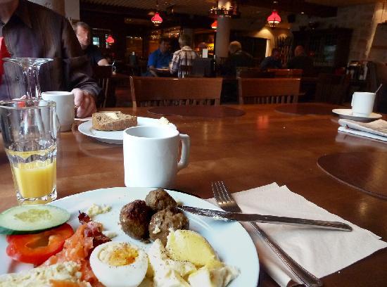 Original Sokos Hotel Valjus: Frühstück