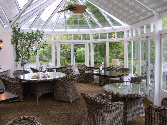 The Hartnoll Hotel: Inside restaurant