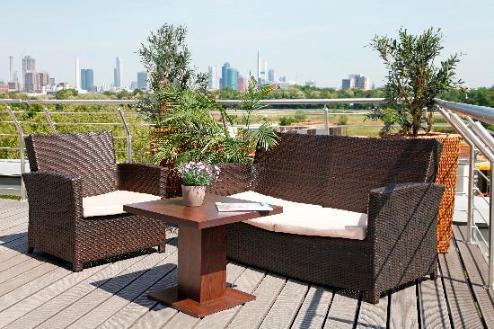 Paragon Apartments: roof terrace