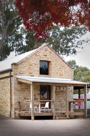 Williamstown, Australia: TeAro Estate Tasting Room. Wine, Platters, Teas, Events