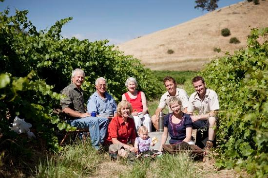 TeAro Estate: 4 generations of the Fromm family in the 1919 original Shiraz plantings