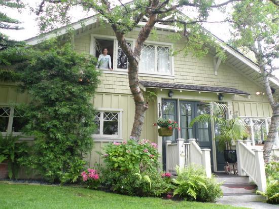 Arabella Laguna: Myrtle Cottage