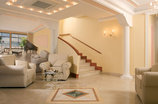 Hotel Prestige Sorrento: Hall