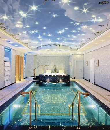 ‪‪The Ritz-Carlton, Berlin‬: The Ritz-Carlton, Berlin Indoor Pool‬