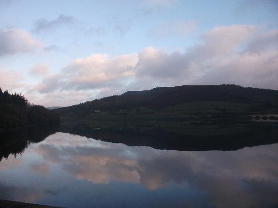 The Yorkshire Bridge Inn: Early morning on Ladybower