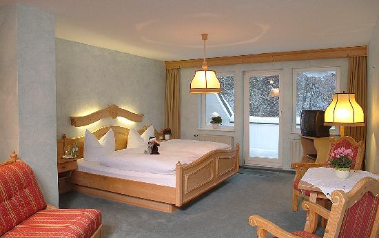 Hubertushoehe : Hotelzimmer Hotel Hubertushöhe Schmallenberg-Latrop