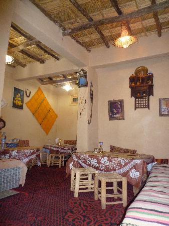 Tinerhir, Maroc : le salon pour manger