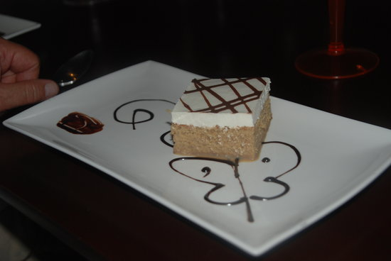 Abbocato : Dessert... wonderful tiramisu