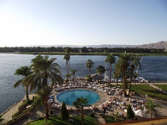 Sheraton Luxor Resort: View of the Sheraton pool from our balcony