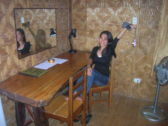 Camiguin Action Geckos Dive & Adventure Resort: the inside of cottage 1