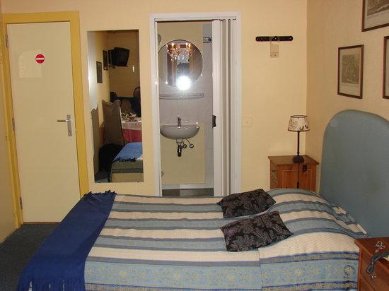 room in hotel Cavalier, Brugge