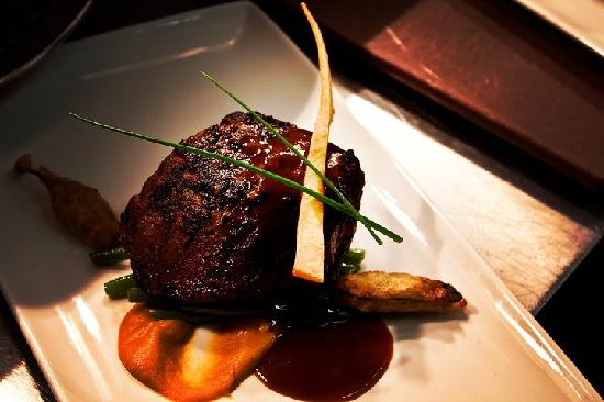 La Sirena: Fillet Steak with Jalapeno Fritters