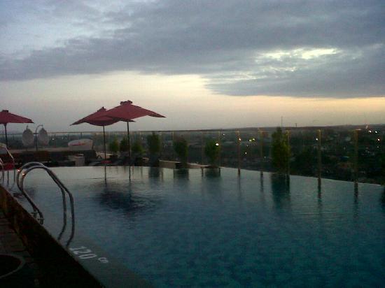 Ibis Styles Yogyakarta: beautiful sunset in the roof top