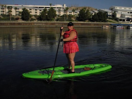 Bullhead City, Аризона: My beginners stand up paddle on the Colorado River