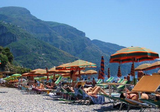هوتل بوبيتو: Private beach in front of hotel