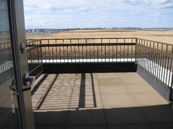 Hampton Inn & Suites Fargo: King Suite Balcony