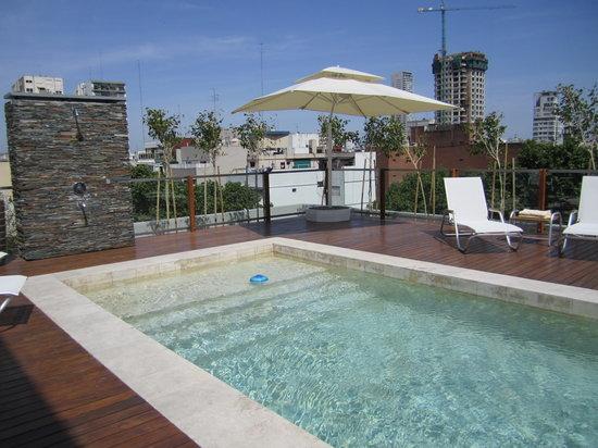 Aspen Square: The pool